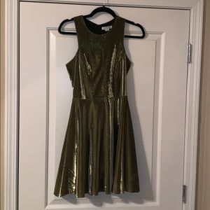 Gold dress, perfect for NYE